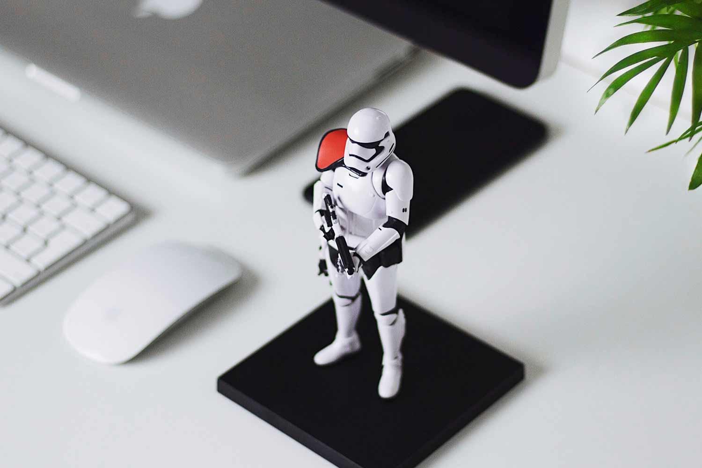 Robot-guarding-computer