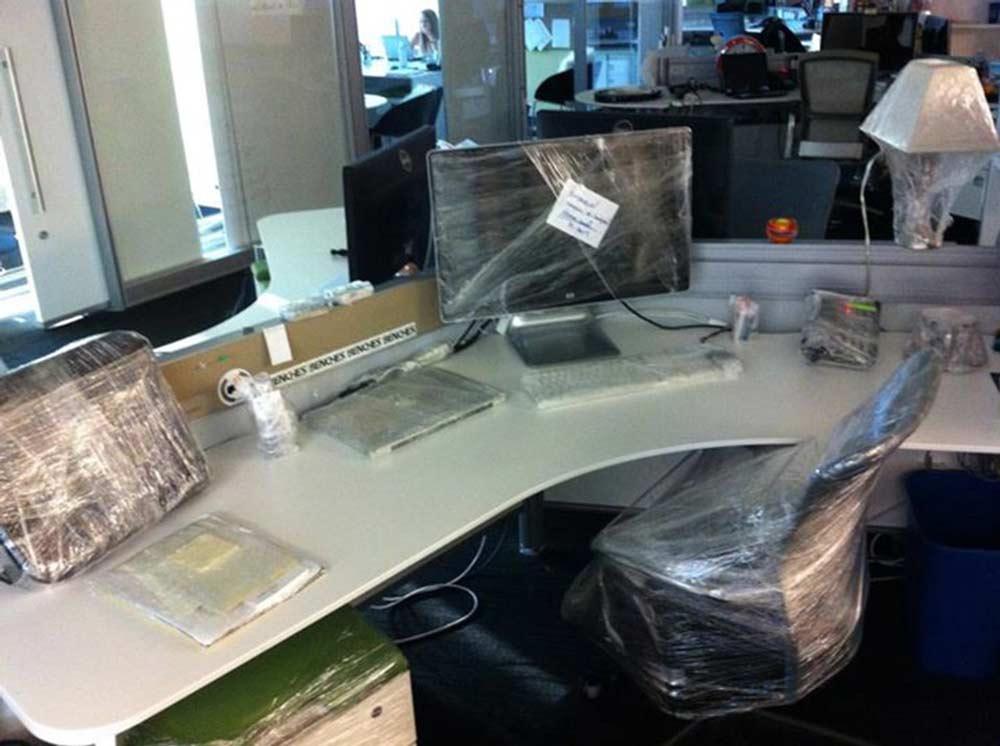 cling-film-desk-prank.jpg
