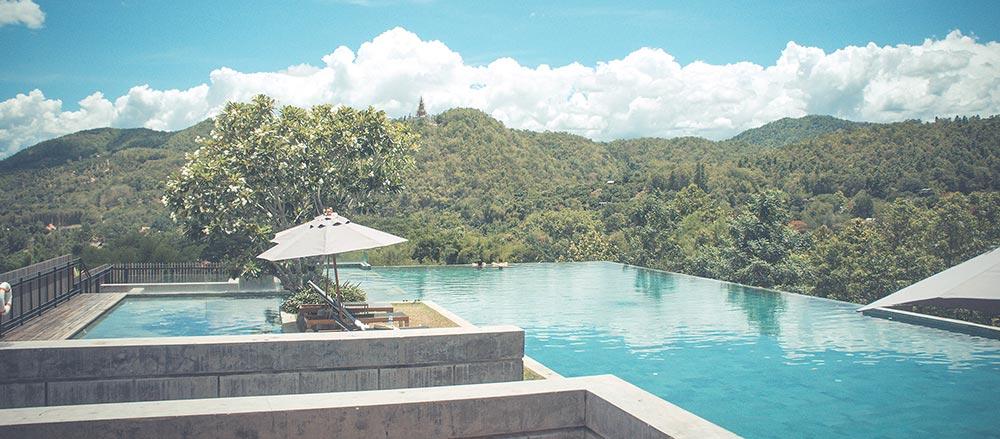 pool-at-villa-in-sun.jpg